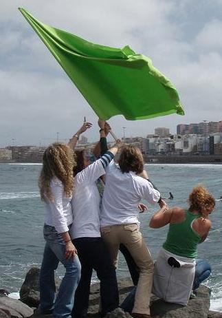20110308100639-mujeres-verdes.jpg