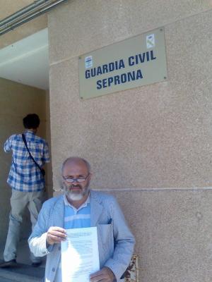 20070522121318-garrido-con-pimelia.jpg